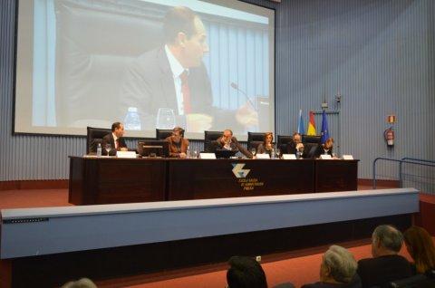 Mesa redonda: Acceso dos cidadáns e medios de comunicación á información pública  - Curso monográfico: Transparencia, goberno aberto e Administración pública